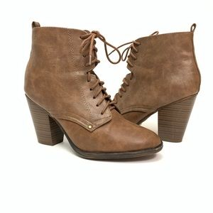 Breckelles Brown Heeled Lace Booties Size 8.5